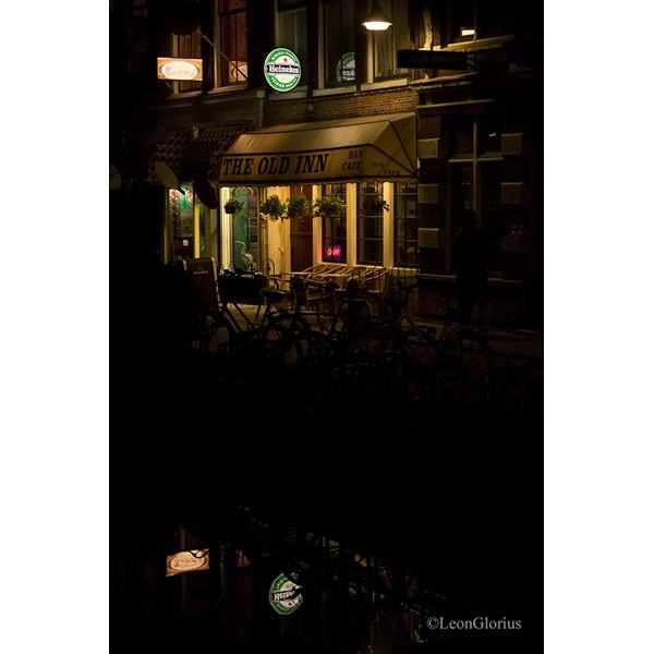 Cafe in de avond